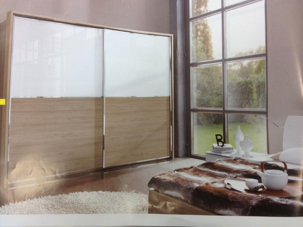 Les armoires coulissantes blog univers du placard - Armoire trois portes coulissantes ...