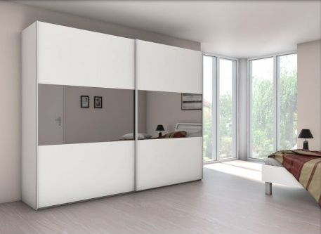Astuce une armoire comme miroir blog univers du placard - Armoire trois portes coulissantes ...