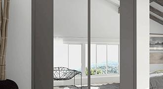 Portes de placard coulissantes avec revêtement miroir