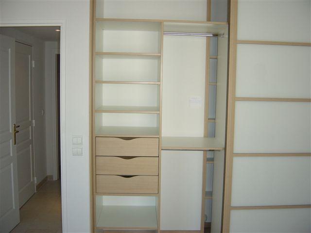 Univers du placard nice showroom for Univers du meuble heures d ouverture